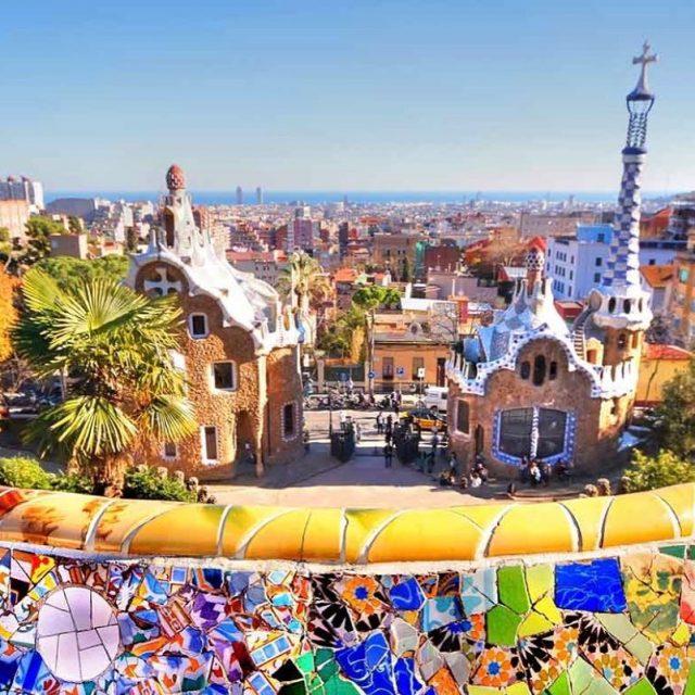 Dans 4 jours!! cantwait trip vacation barcelona spain valencia familyhellip