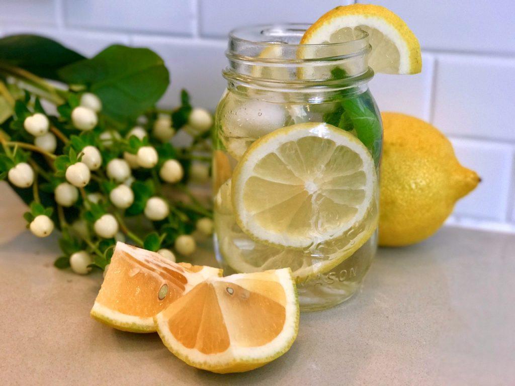 Eau citron et basilic